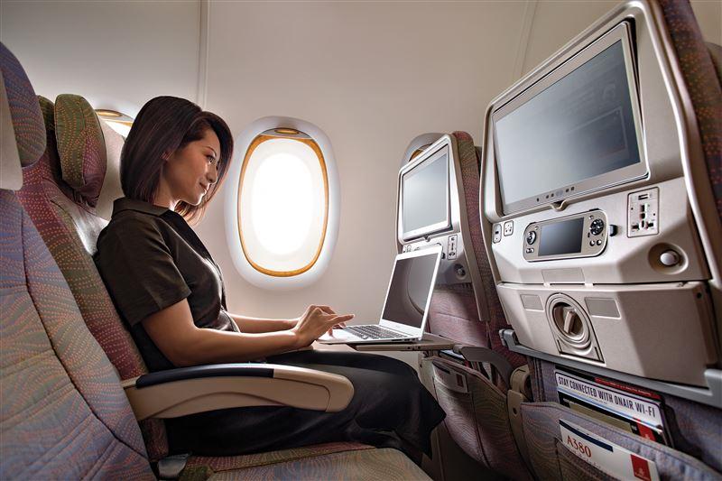 طيران الإمارات توفر «واي فاي» فوق القطب الشمالي