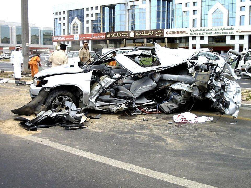 الإمارات: 750 حادث مروري بسبب الإطارات