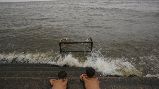 مخاوف من فيضانات في ولاية لويزيانا جراء عاصفة باري