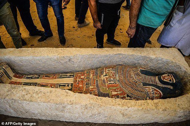 بالصور : مصر تعلن عن اكتشاف أثري رائع جديد