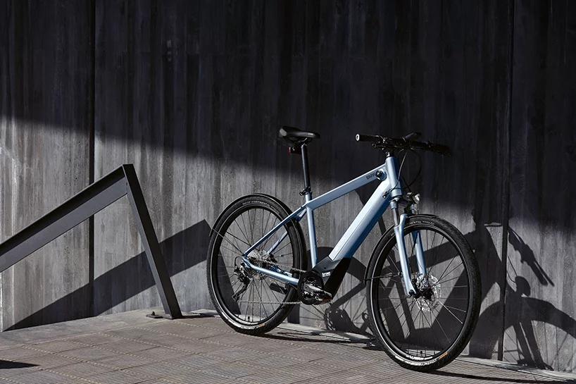 بالصور : BMW تكشف عن دراجتها الكهربائية