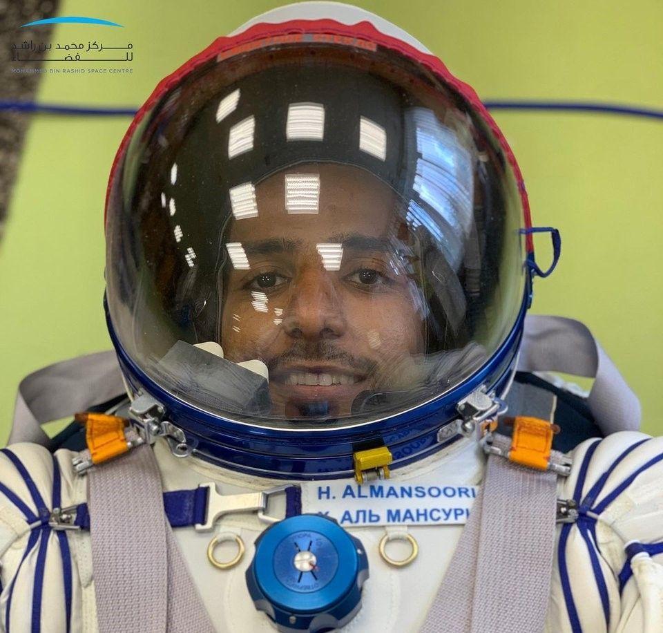الإمارات تطلق مسابقة  «أرسل إلى الفضاء».. رسوم وقصص مع هزاع المنصوري