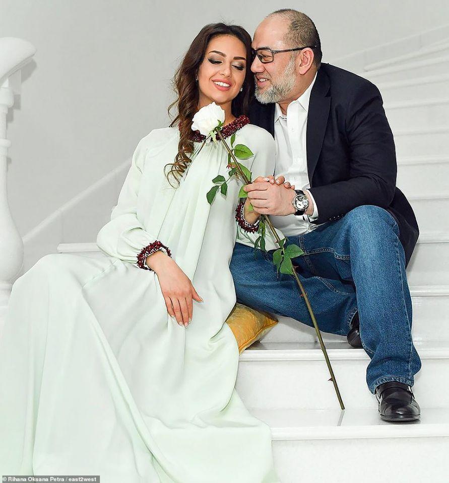 بالصور: زواج تلاه طلاق ملك ماليزيا من عارضة أزياء روسية
