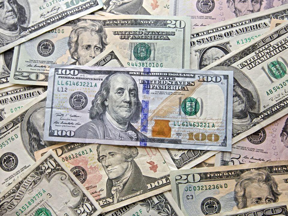 صندوق النقد الدولي يؤكد أن العملة الأمريكية أعلى من قيمتها الحقيقية