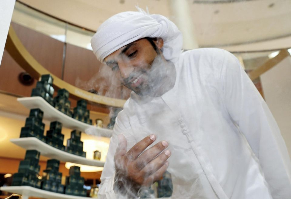 بالصور : حرف يديوية إماراتية الصنع في دبي مول