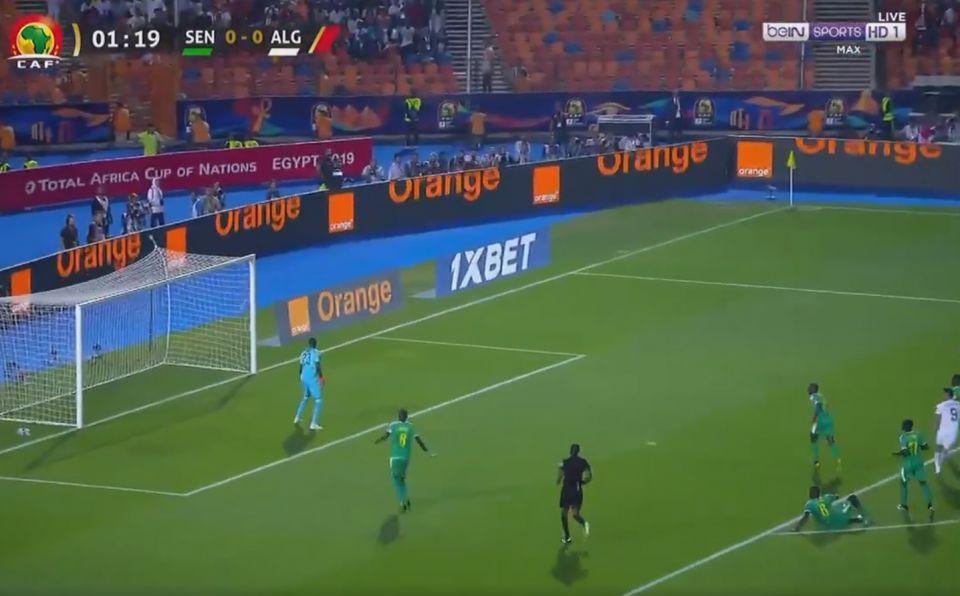 الجزائر تقصي السنغال لتتوج بلقب كأس أمم أفريقيا عكرتها اشتباكات بين لاعبي الفريقين