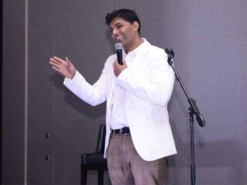 دبي: وفاة كوميدي هندي على المسرح
