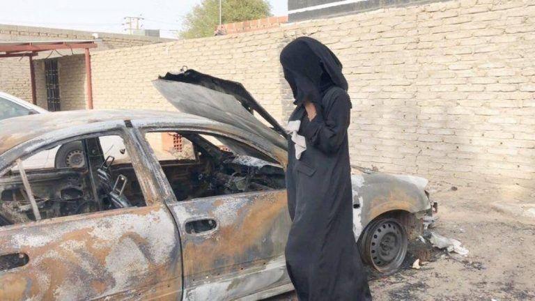 السجن والجلد والتعويض المالي لحارقي سيارة السعودية سلمى
