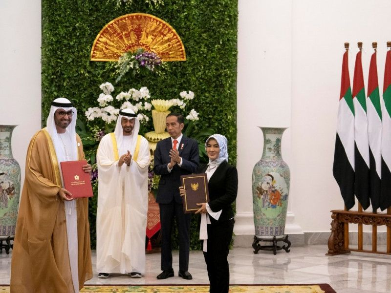 أدنوك الإماراتية وبرتامينا الإندونيسية توقعان اتفاقا لتطوير مشاريع النفط والغاز