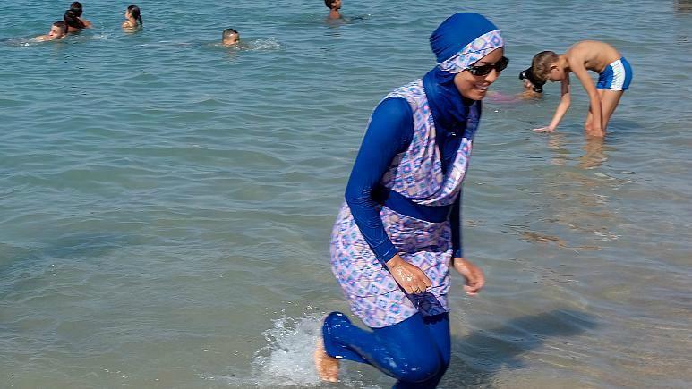 في نيوزيلندا.. مجلس مدينة يعتذر من امرأة طردت من مسبح بسبب البوركيني