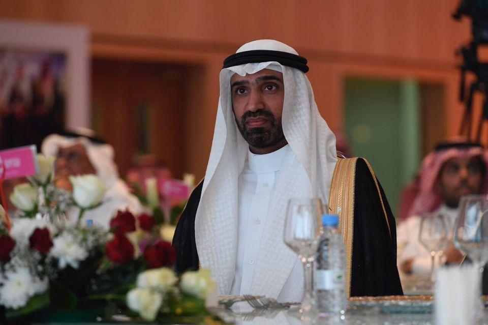 وزير سعودي يفي بوعده ويبدأ بتوطين المهن القيادية