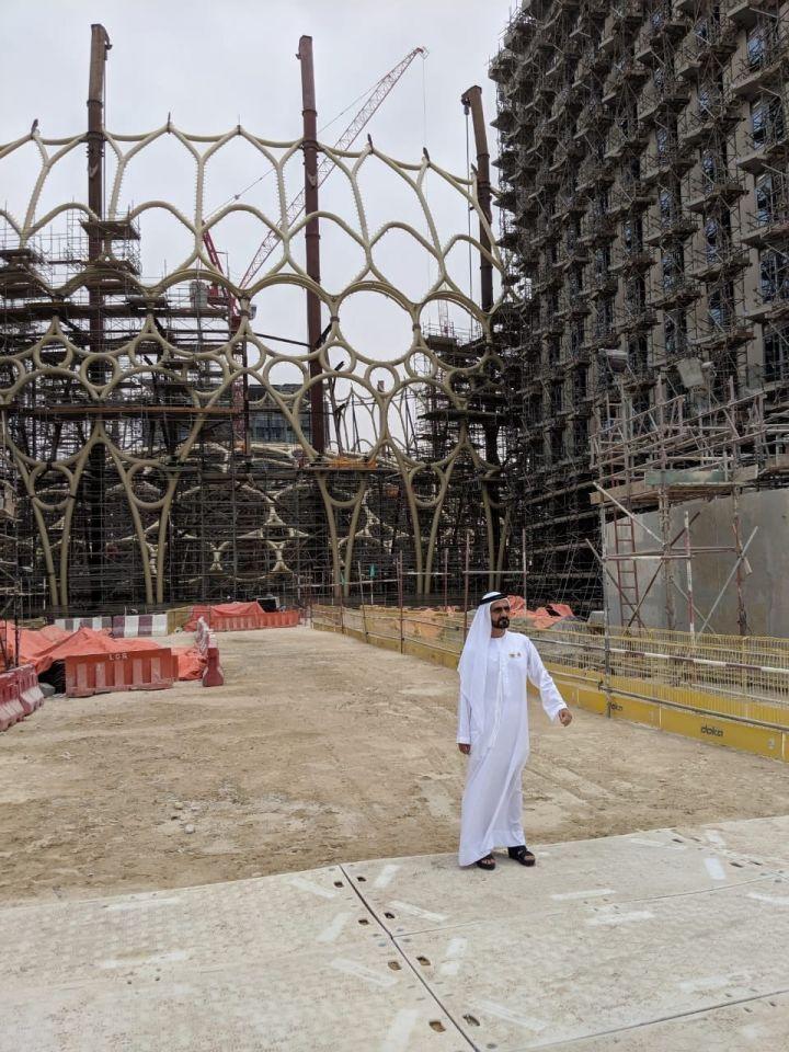 بالصور : محمد بن راشد يزور معرض إكسبو دبي