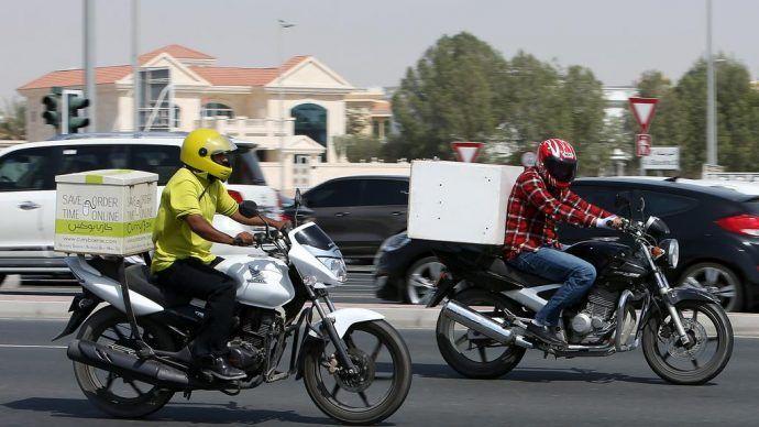 أهمها عدم زيادة زمن التوصيل على ساعة.. بلدية دبي تحدد شروط الدليفري