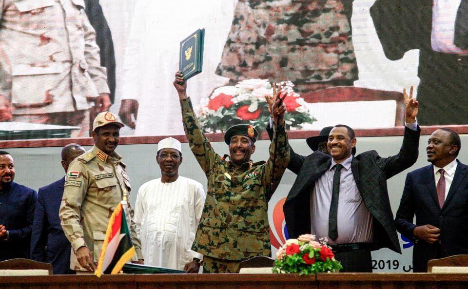 الإمارات تشارك في مراسم حفل توقيع على وثائق الانتقال للسلطة المدنية في السودان