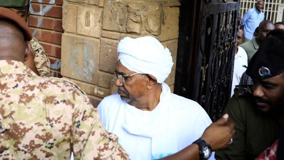 بدء محاكمة  الرئيس السوداني المعزول عمر البشير باتهامات الفساد