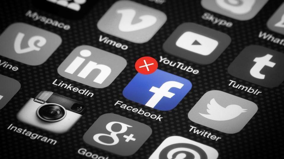 شرطة الشارقة تكشف عقوبات إساءة إستخدام مواقع التواصل