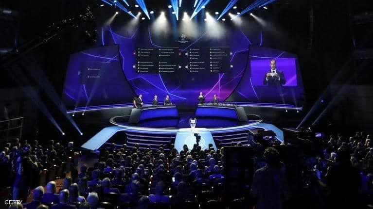 بالصور : جوائز اليويفا .. ميسي يلقب بأفضل مهاجم