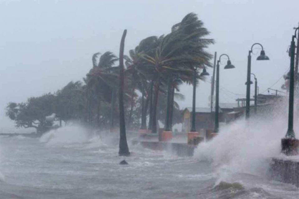 إخلاء آلاف السعوديين في أمريكا بسبب إعصار مدمر