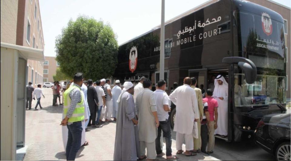 إنهاء نزاع جماعي لـ 320 عاملا خلال فترة قياسية في أبوظبي