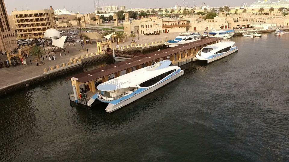 إقبال كبير على فيري دبي الشارقة للنقل البحري