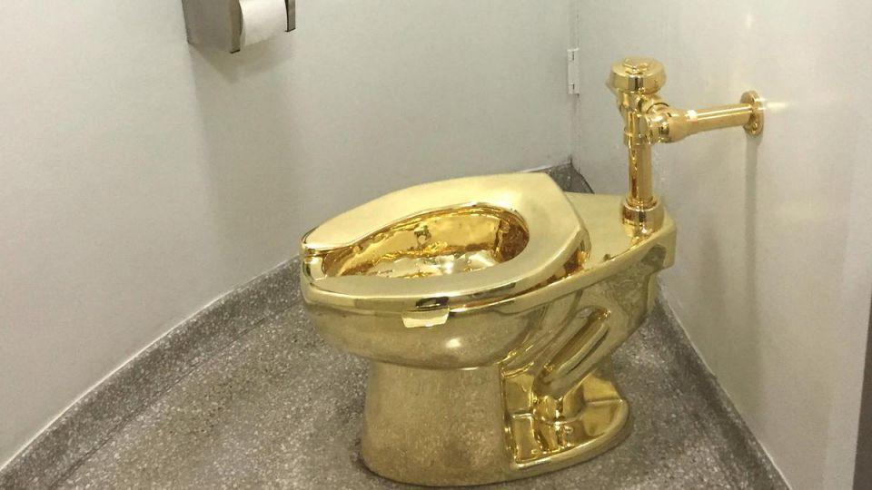 سرقة مرحاض ذهب قيمته 5 ملايين دولار