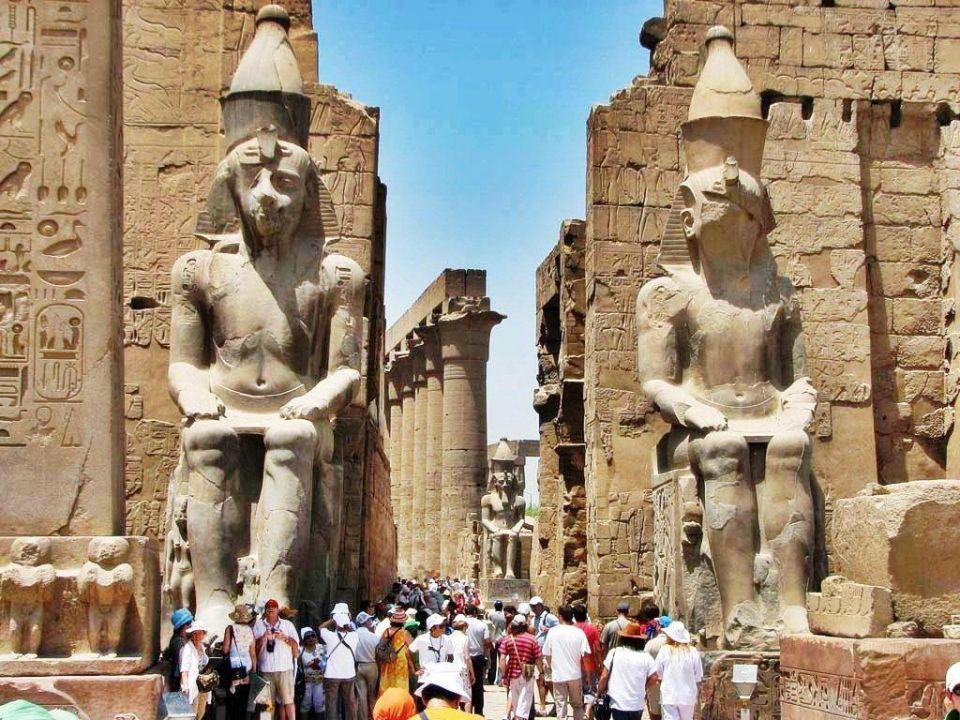 مصر تعلن عن بديل شركة توماس كوك لنقل الركاب البريطانيين إلى لندن