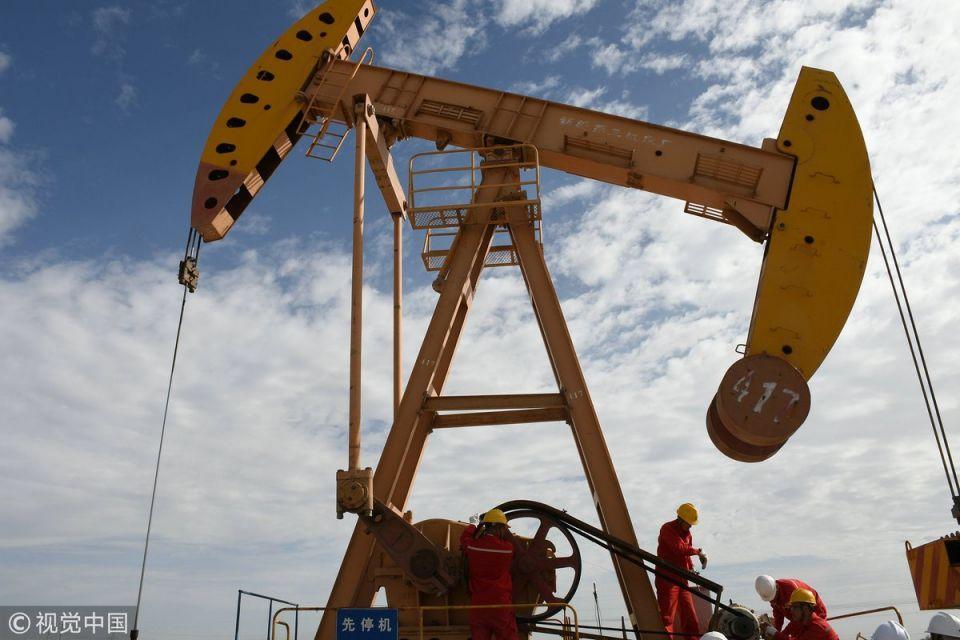 السعودية والكويت تبدأن إنتاج النفط من حقلي الوفرة والخفجي