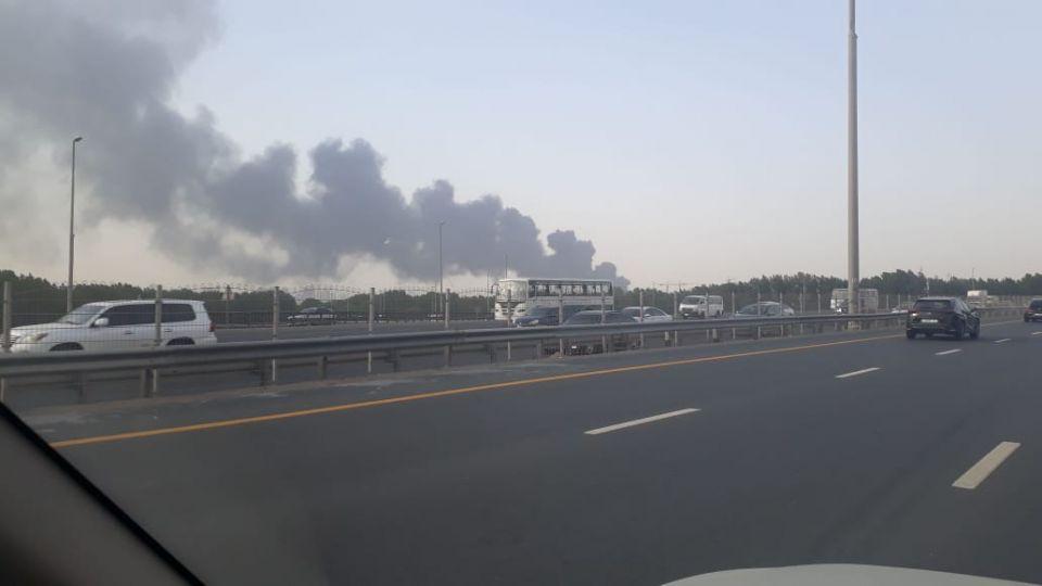 حريق بمستودع للإطارات في دبي