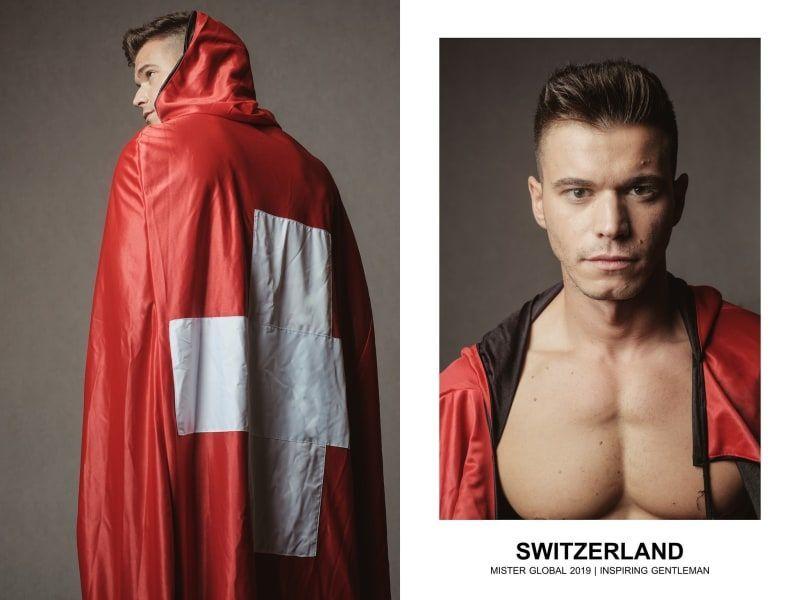 شاهد 36 رجلا بلباسهم الوطني في عرض أزياء