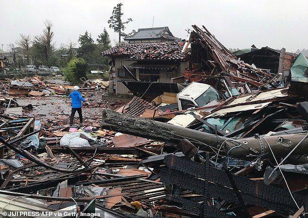 """سبعة قتلى و15 مفقودا بعد إعصار  """"هاغيبيس"""" الذي ضرب اليابان"""