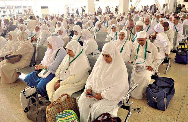 هل ستلغي السعودية شرط المَحْرم للنساء القادمات لأداء العمرة؟