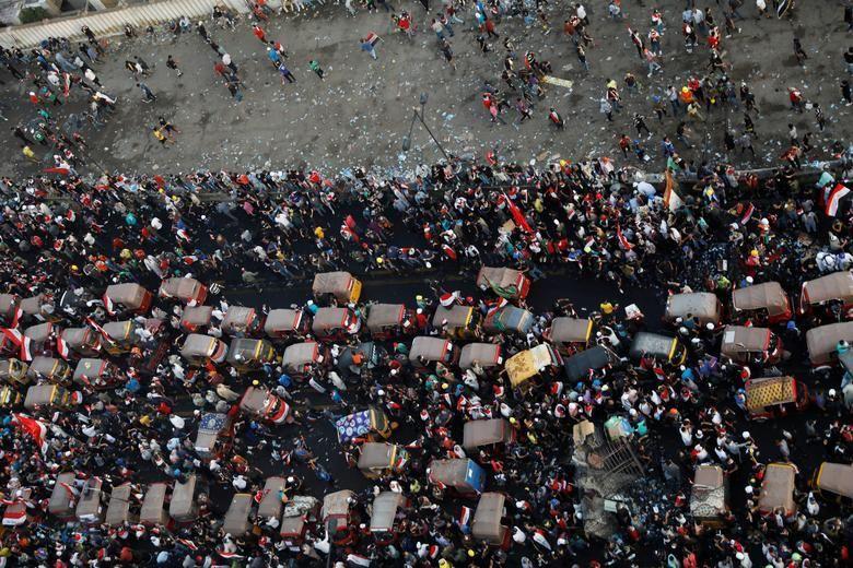 بالصور: مظاهرات تجتاح شوارع العراق