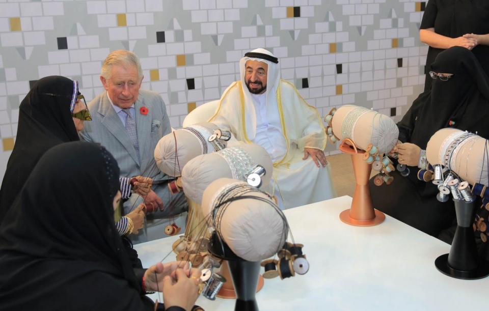 حاكم الشارقة و جواهر القاسمي يؤكدان على إحياء التراث الإماراتي وتجديده
