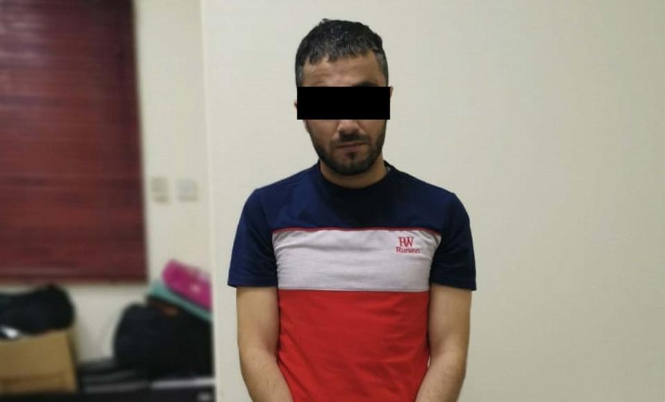 ضبط محتال يبيع أموالاً مزيفة عبر الفيسبوك في عجمان