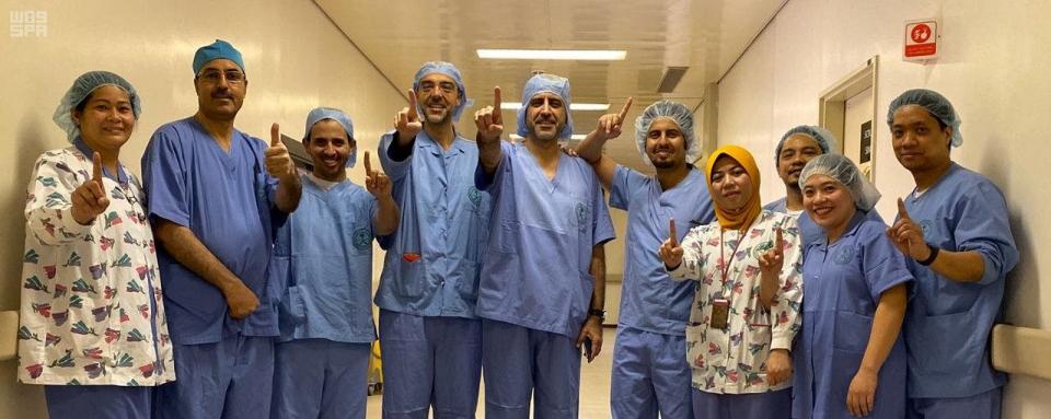 إجراء عملية جراحية نادرة في السعودية لعين مواطنة