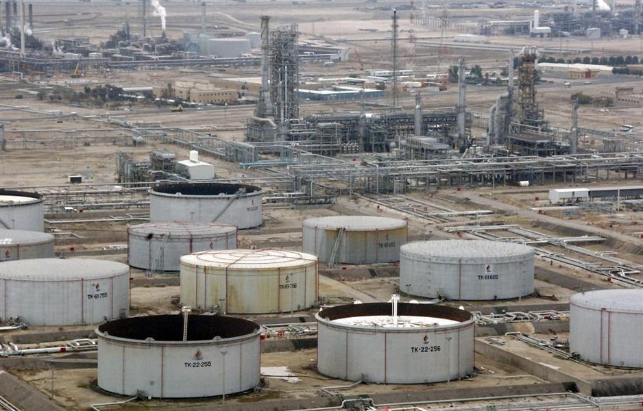 السعودية والكويت تعيدان إنتاج النفط من المنطقة المقسومة بعد أيام