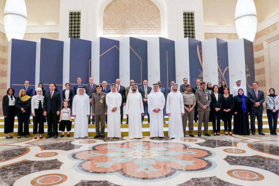 الإمارات تمنح دفعة من العلماء الإقامة الذهبية الدائمة