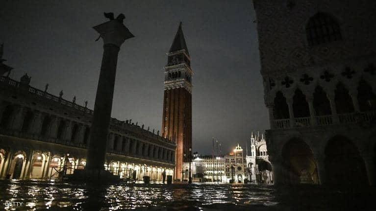 بالصور : فيضانات تغرق البندقية