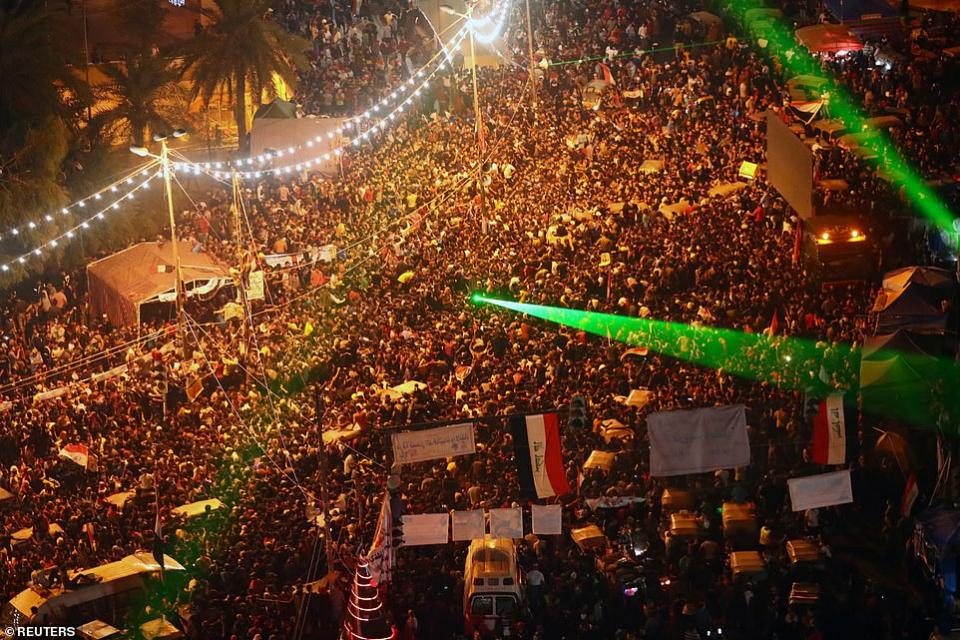 الفوز على على إيران يقلب احتجاجات العراق لاحتفالات بفوز مذهل