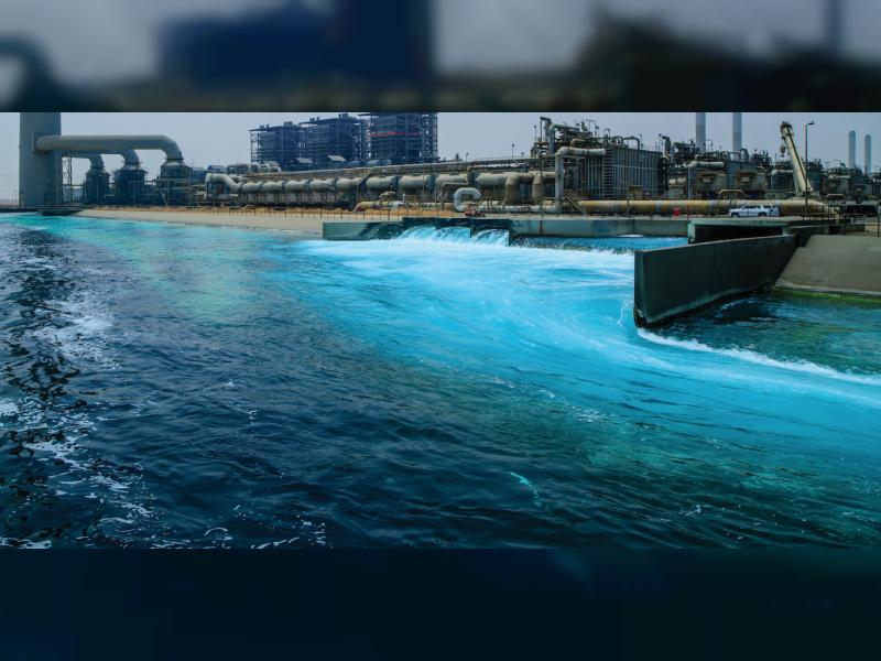 نجاح الإغلاق المالي لإنشاء أكبر محطة لتحلية المياه في أم القيوين