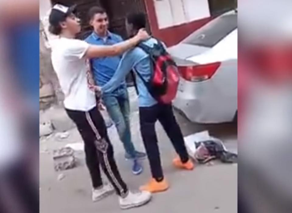 صدمة في مصر من حادثة تنمر  وعنصرية ضد فتى سوداني
