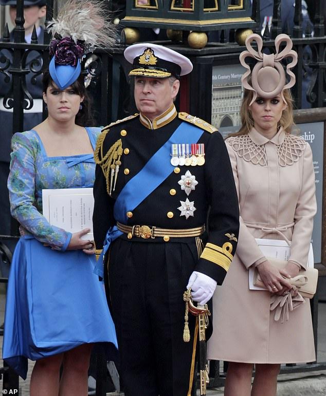 شاهد عثرات الأمير أندرو على مدى سنوات
