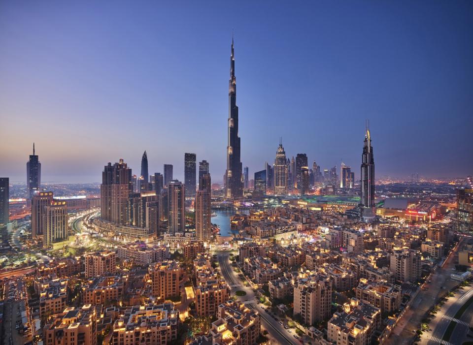 أروع الاحتفالات باليوم الوطني الـ48 لدولة الإمارات العربية المتحدة وسط مدينة دبي