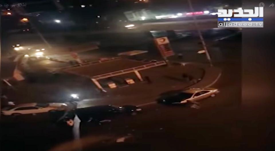 اشتباكات و إطلاق نار كثيف في بيروت بعد مقتل شخصين