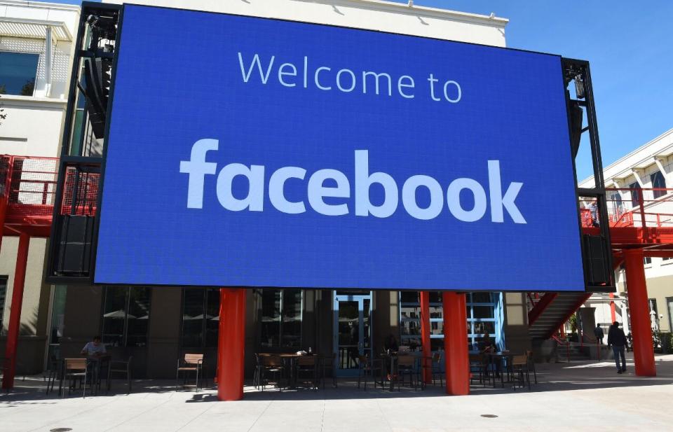 عطل مفاجىء يضرب فيسبوك في معظم دول العالم