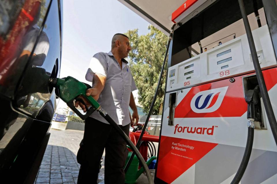محطات الوقود في لبنان تبدأ إضراباً مفتوحاً