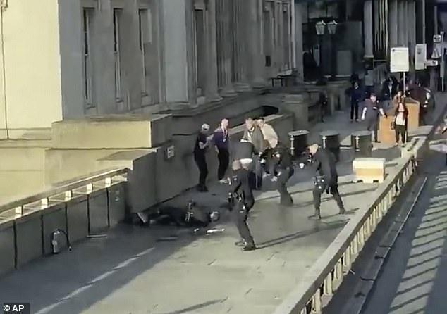 الشرطة البريطانية: منفذ هجوم  جسر لندن سبق إدانته بالإرهاب