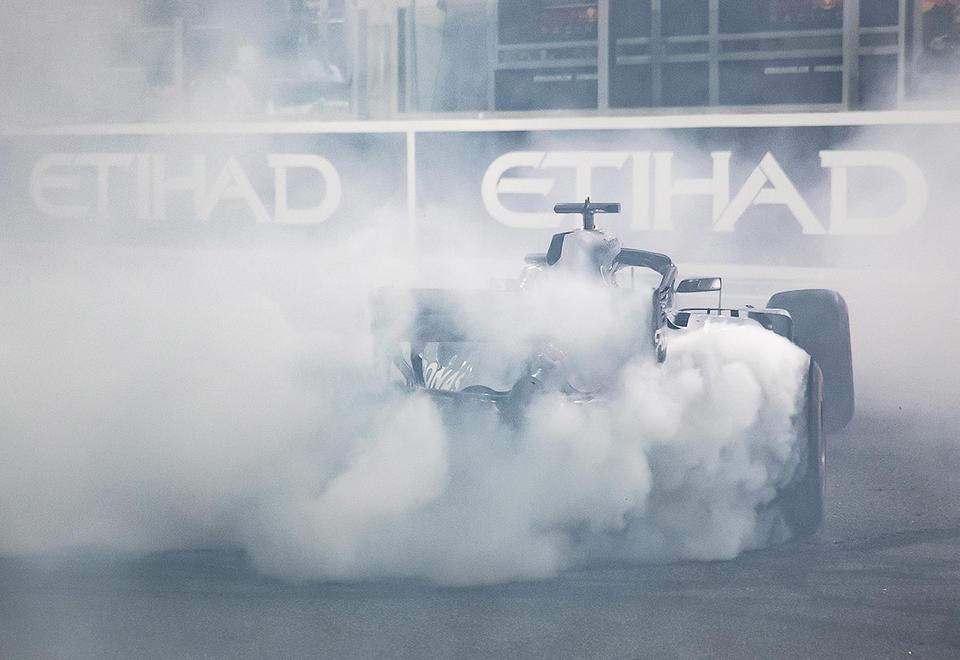 بالصور: أفضل 10 صور من سباق فورمولا 1 العام الماضي