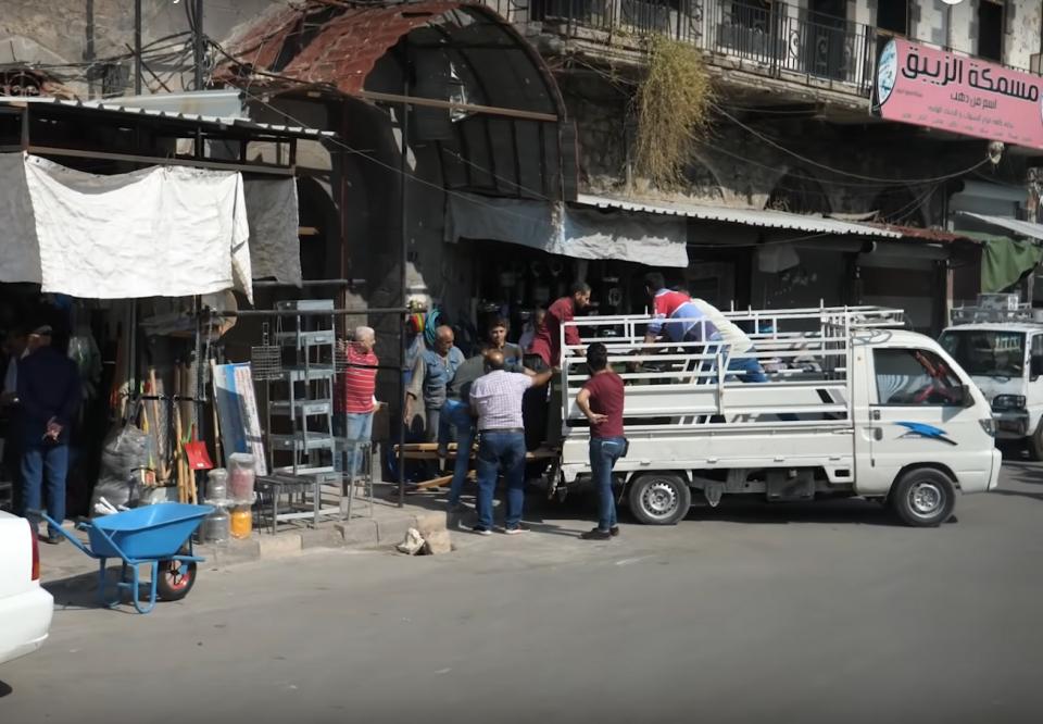 أكثر من 70 بالمئة من السوريين تحت خط الفقر