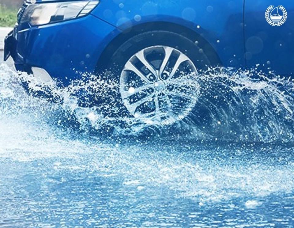 154 حادث مروري في دبي خلال 10 ساعات بسبب الأمطار